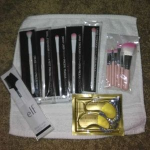 NEW BIG MAKE-UP BRUSH BUNDLE